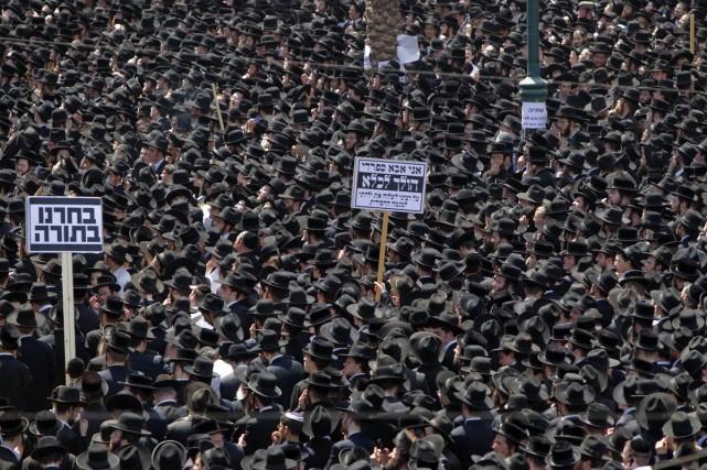 L'effervescence des hommes en noir d'Israël fait suite... (Photo: AFP)