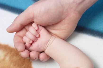 Si les pères québécois peuvent maintenant jouer un rôle accru auprès de leurs... (Photothèque: La Presse)