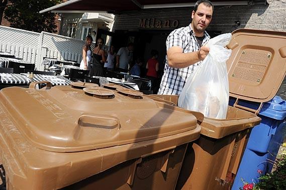 Steven Papageorgiou, propriétaire du restaurant Milano, estime que... (Photo Le Soleil, Erick Labbé)