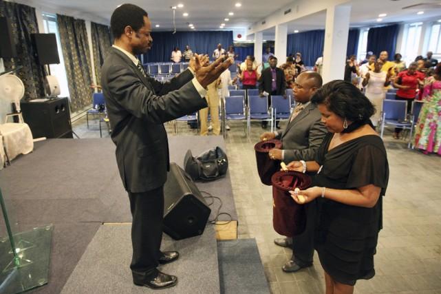 Le pasteur Mwinda Lezoka est accusé par une... (Photo: Robert Skinner, La Presse)