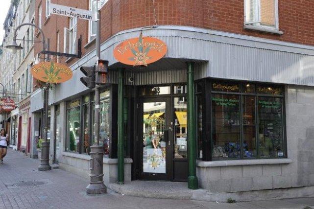 La boutique Échologik, située sur la rue Saint-Jean,... (Le Soleil, Patrice Laroche)