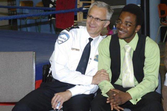 Marc Parent en compagnie de Roodsy Vincent, l'une... (Photo fournie par le SPVM)