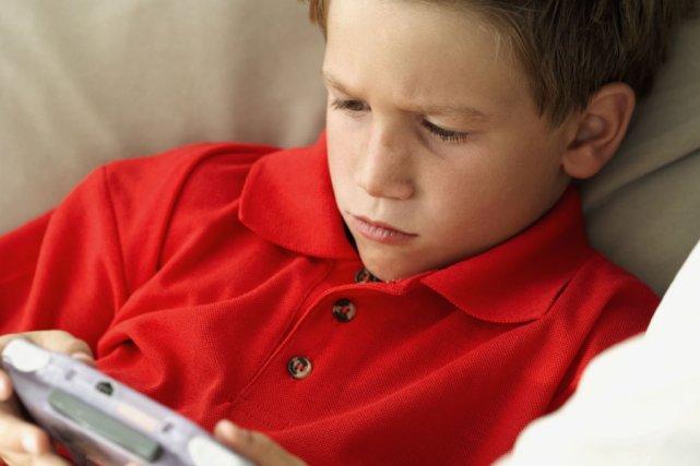 Baladeur tactile, tablette, ordinateur, console portable ou fixe... Au sein de... (Photothèque La Presse)
