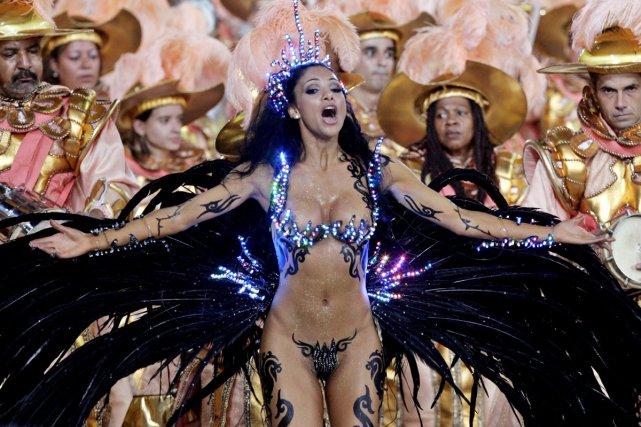danseuse rio carnaval