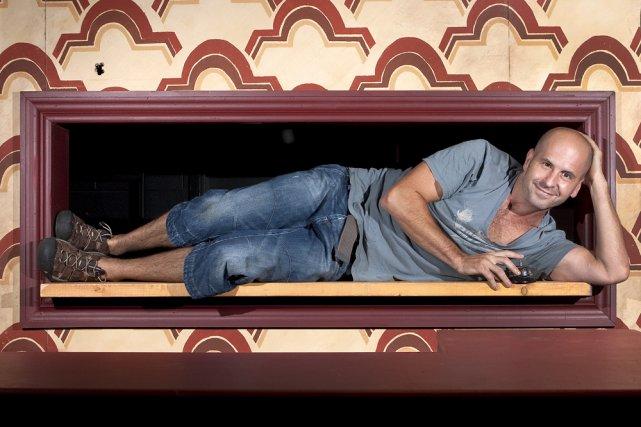 Sébastien Gauthier dans le décor de Roomtone, qu'il... (Photo: Robert Skinner, La Presse)