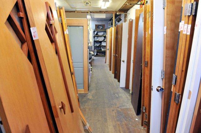 la caverne d 39 ali baba l 39 aubaines recycle lise fournier. Black Bedroom Furniture Sets. Home Design Ideas