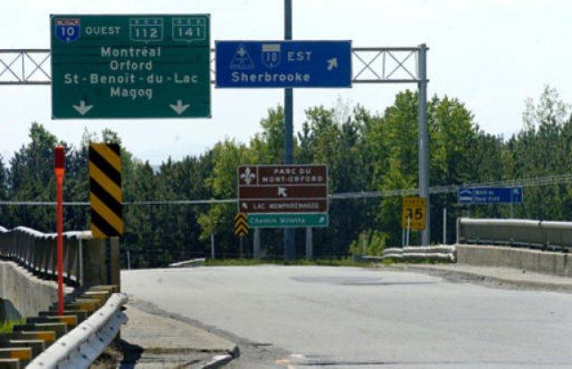 Pour sécuriser davantage notre réseau routier de plus en plus complexe et... (Archives La Tribune, Jessica Garneau)