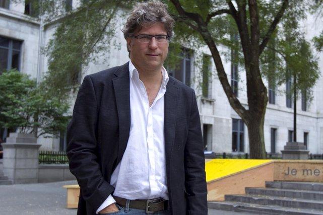 Bertrand Gervais propose «un roman très masculin» avec... (Photo: Alain Roberge, La Presse)