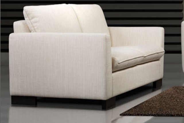 Offensive pour le meuble canadien design for Meuble canadien