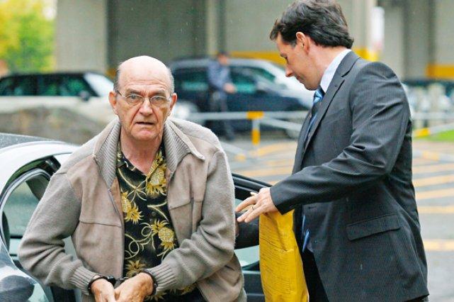 Le père Jean-Claude Bergeron, 69 ans, a comparu... (Le Soleil, Yan Doublet)