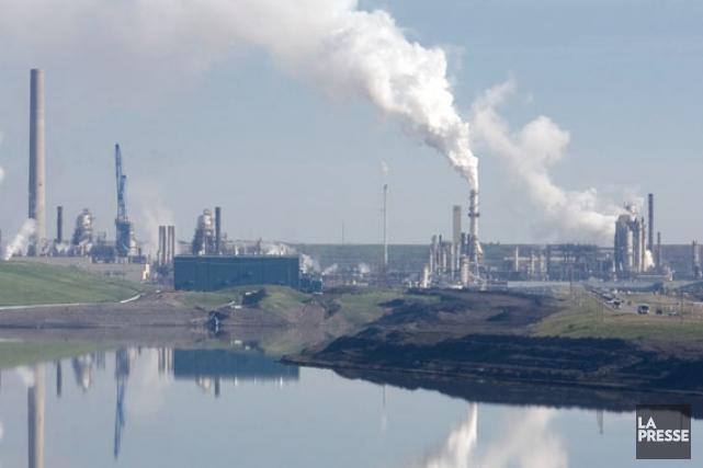 Une étude confirme que les sables bitumineux polluent les lacs 206329-photo-site-exploitation-fort-mcmurray