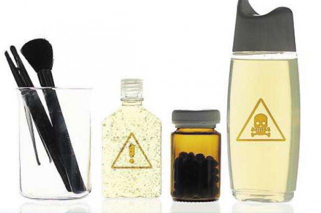 De plus en plus de fabricants de cosmétiques inscrivent les mentions «sans... (Photomontage La Presse)