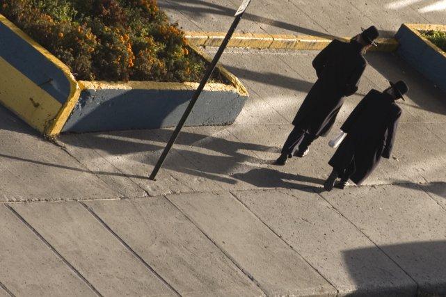 Les juifs orthodoxes d'Outremont pourront-ils encore sortir de... (PHOTO: IVANOH DEMERS, ARCHIVES LA PRESSE)