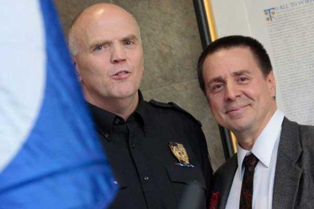 Le chef de police Vern White accepte depuis... (Simon Séguin-Bertrand, LeDroit)