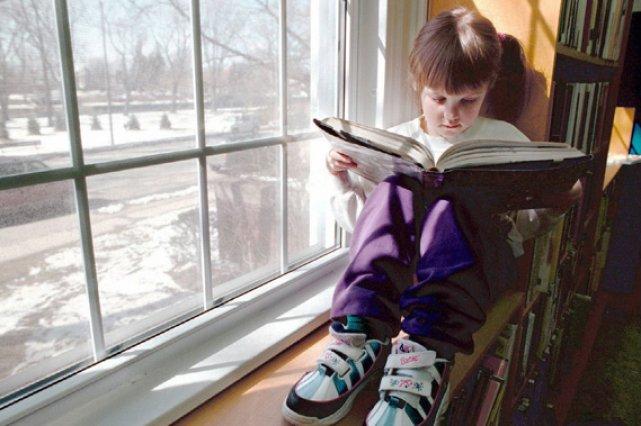 donner un livre un enfant dr nadia gagnier dre nadia. Black Bedroom Furniture Sets. Home Design Ideas