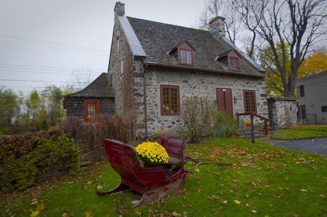 Maison du xviiie si cle saint lambert val rie v zina for Cuisine xviiie siecle