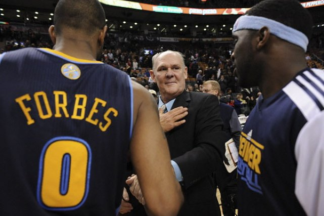 George Karl (au centre), l'entraîneur de Denver. (Photo: PC)