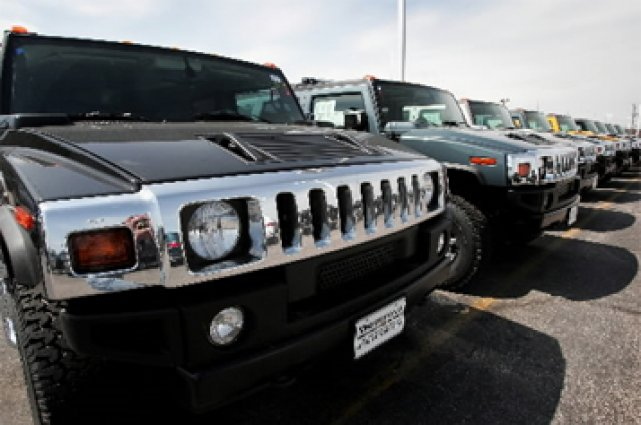 Le Hummer H2 fait partie des dix véhicules... (Photo: Getty Images)