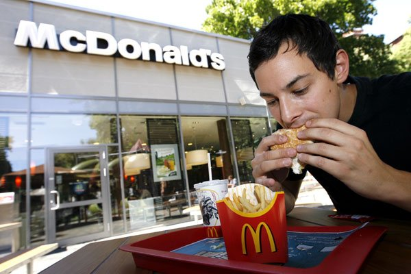 Un restaurant McDonald's.... (Photo: Adam Berry, Archives Bloomberg)