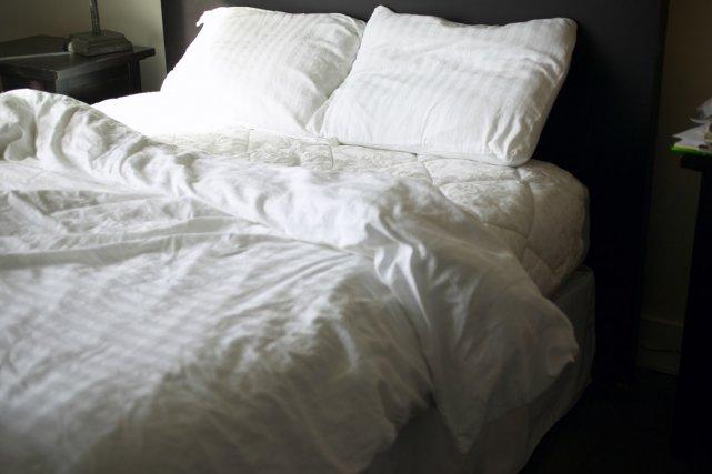 ou acheter les draps de vos h tels pr f r s trucs conseils. Black Bedroom Furniture Sets. Home Design Ideas