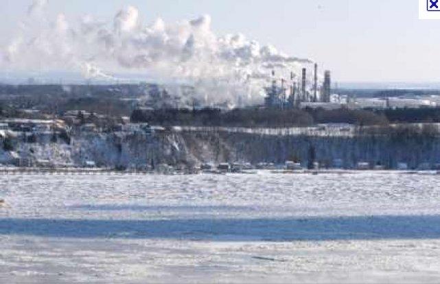 Hydro-Québec demande aux citoyens de diminuer leur consommation... (Photothèque Le Soleil, Érick Labbé)