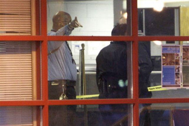 Fusillade dans un poste de police de detroit corey williams