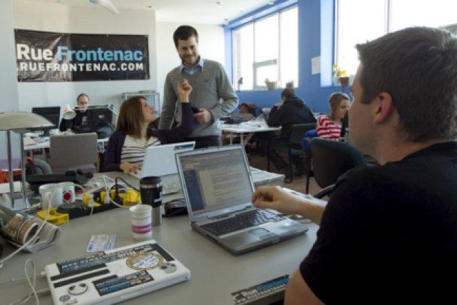 Au centre, dans la petite salle des nouvelles... (Photo: Alain Roberge, La Presse)