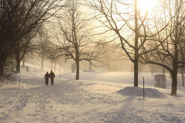 Promenade hivernale en amoureux dans un sentier du... (Photo: fournie par Les amis de la montagne)