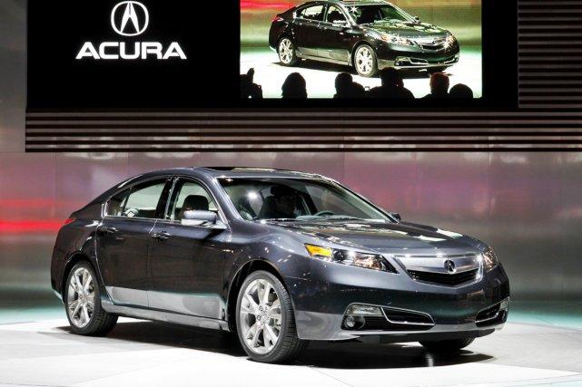Les pare-chocs avant et arrière de l'Acura TL... (Photo AP)