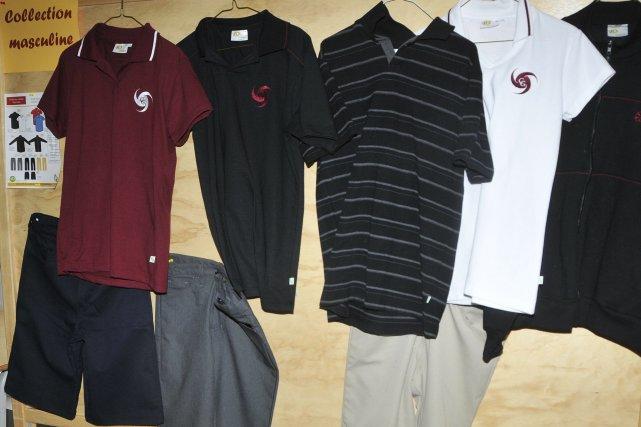 ... bien revêtir un uniforme scolaire comme celui-ci dès l'an prochain