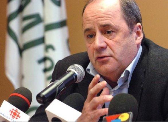 Éric Gosselin, président de l'Association des pompiers, et... (Photothèque Le Soleil, Jean-Marie Villeneuve)