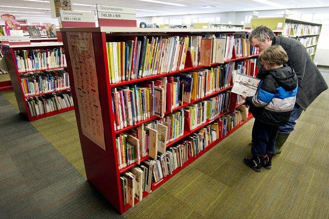 La bibliothèque Père-Ambroise, dans Centre-Sud, a ouvert en... (Photo: Robert Skinner, La Presse)