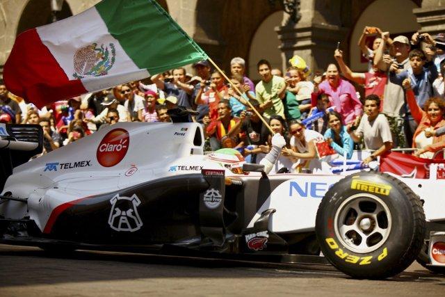 Le nouveau pilote de Sauber, Sergio Perez, a... (Photo AP)