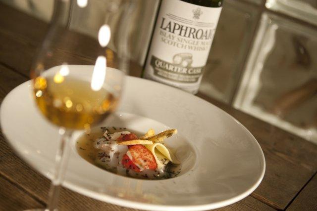 Homard, pétoncles et langoustines en ravioli, bouillon de... (Photo: Ivanoh Demers, La Presse)