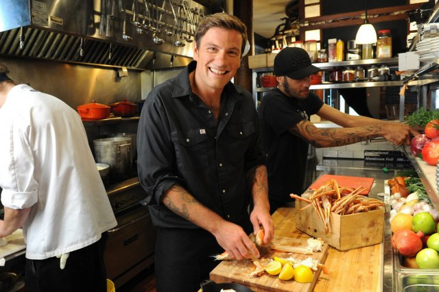 Chuck hughes remporte l 39 mission iron chef cuisine for Ala cuisine iron chef