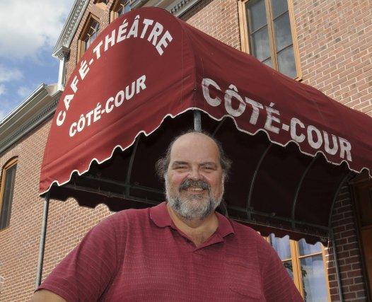 Le Cafe Du Theatre Rue De La Jonquiere