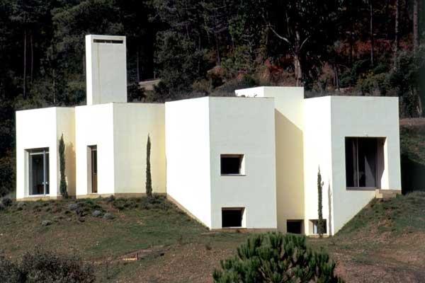 architecture souto de moura laur at du prix pritzker 2011 maisons. Black Bedroom Furniture Sets. Home Design Ideas