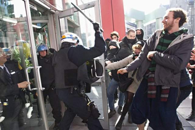 Lors de la manifestation de jeudi, l'escouade anti-émeutes... (photo patrick sanfaçon, la presse)