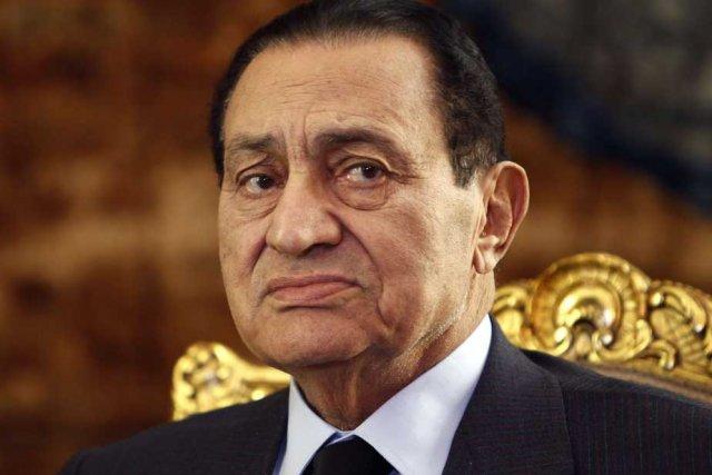 L'ex-président égyptien Hosni Moubarak.... (Photo Reuters)