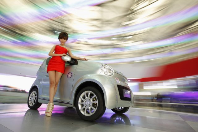La Salon de l'auto de Shanghai s'est ouvert... (Photo Reuters)
