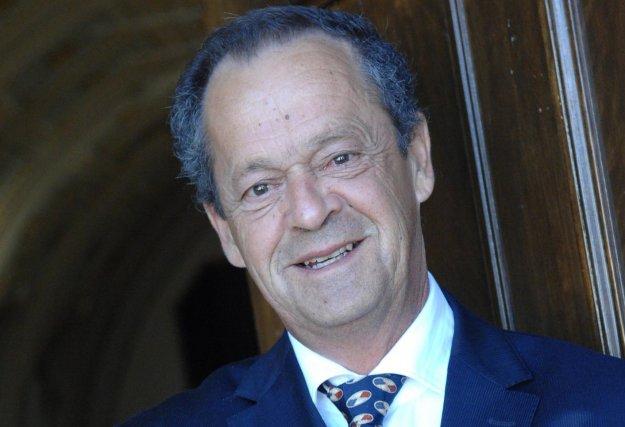 L'auteur, Alain Drouin, est le maire de la...