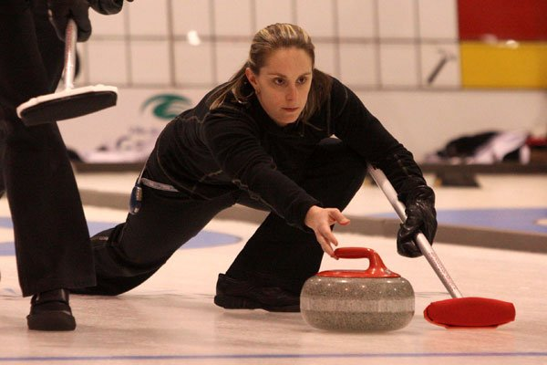 Annie Lemay prend sa retraite du curling pour... (Patrick Woodbury, LeDroit)