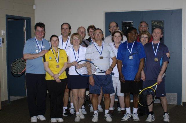 Tennis 50 ans et plus autre dition en vue jstp sports for Club de tennis interieur saguenay