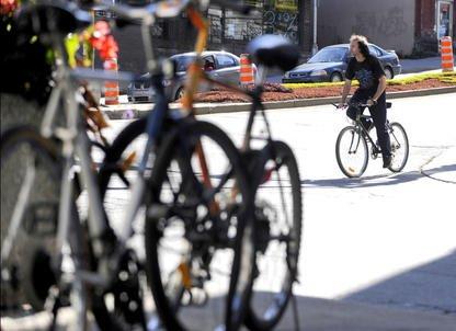 La Fédération québécoise des sports cyclistes (FQSC) a repris à son compte une... (Archives La Tribune, Jocelyn Riendeau)