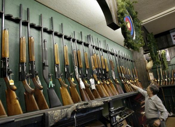 C'est la personne derrière l'arme ou le volant... (PHOTO: KEVIN FRAYER, ARCHIVES PC)