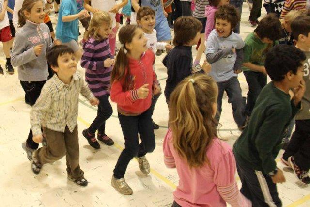 Plus ils bougent, plus ils sont attentifs...... (Photo archives La Voix de l'Est)