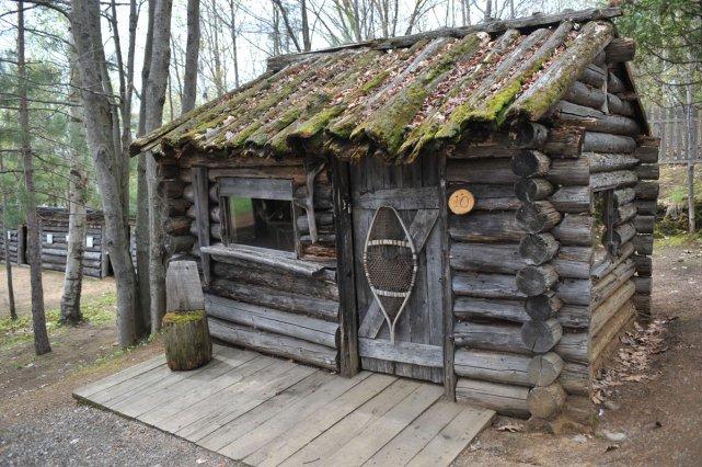 Redonner vie aux b cherons marie pier duplessis m kinac for Camp en bois rond