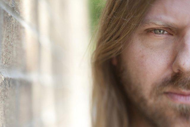 Steve Hill fait dans le rock, pas dans... (Photo: Ivanoh Demers, La Presse)