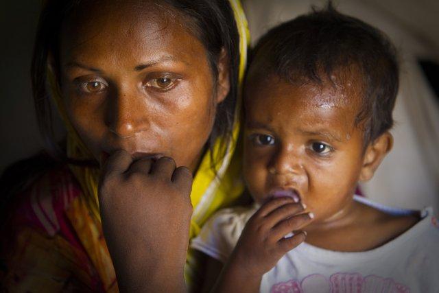 Najma (que l'on voit ici avec sa fille)... (Photo: André Pichette, La Presse)