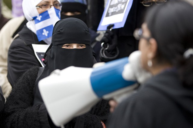 Interdiction De La Burqa Le Projet De Loi Est Au Point Mort Depuis